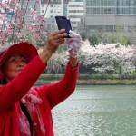 Man ist nie zu alt für ein Selfie!