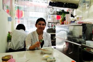 Vietnamesische Suppe und Frühlingsrollen ...
