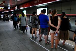 An das waiting line-System halten sich tatsächlich sehr viele.