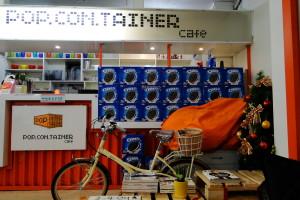 """... und im """"Popcontainer Cafe ..."""