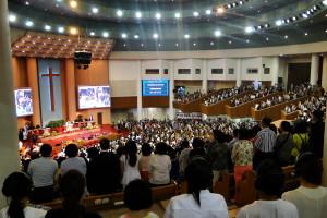 "In der ""Full Gospel Church""."