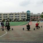 Eine Schule in der Nähe des B&B.